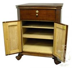 Cheap Montegue Cabinet End Table Humidor (1500 Cigars) (HUM-MONT CAB)