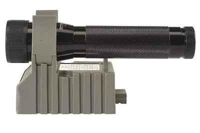 Streamlight 74001 Strion 5-1/2-Inch Flashlight 120-Volt Ac/12-Volt Dc, Black