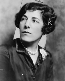 "1928 photo Edna Ferber, co-author of the comedy ""The royal family""--Her assoc g1"