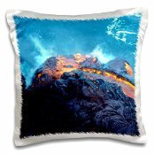 vwpics-volcanoes-lava-flowing-into-the-pacific-ocean-volcanos-national-park-hawaii-16x16-inch-pillow