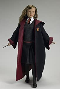 Amazon.com: HERMIONE GRANGER IN HOGWARTS ROBES: Toys & Games