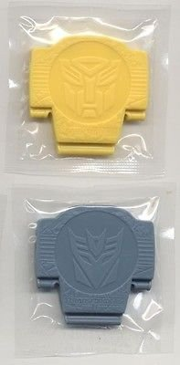 transformers-the-movie-botcon-2007-lunchables-bumble-bee-and-megatron-figures