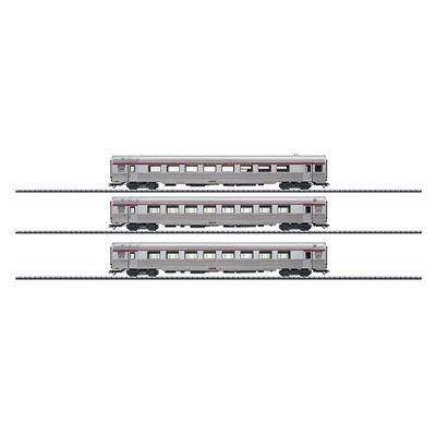 Trix Era IV PBA INOX Passenger Car HO Scale Set