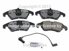 Audi a4 a5 (08-12) Brake Pad +Sensor Set Front CERAMIC Akebono