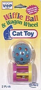 Vo-Toys Sok-ker Ball with Wagon Wheel Cat Toy