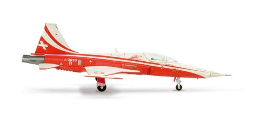 Herpa 1-200 Scale Military HE553315 Patrouille Suisse F-5E Tiger II 1-200 Swiss Aerobatic