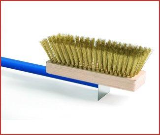 Gi Metal Brass Bristle Oven Brush front-12375