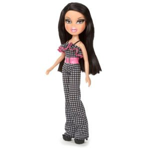 BRATZ Picnic at the Park Outfit & Shoes with Paper Doll - Doll Not Included - 1