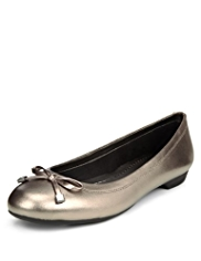 M&S Collection Leather Wide Fit Bow Pumps
