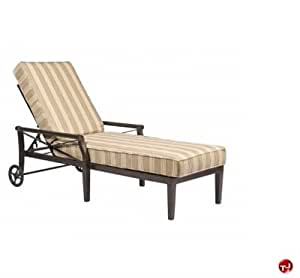 GRID Outdoor Aluminum Adjustable Chaise Lounge With Padded Cushi