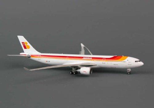 Phoenix Iberia A330-300 1/400 REG#EC-LUB (**)