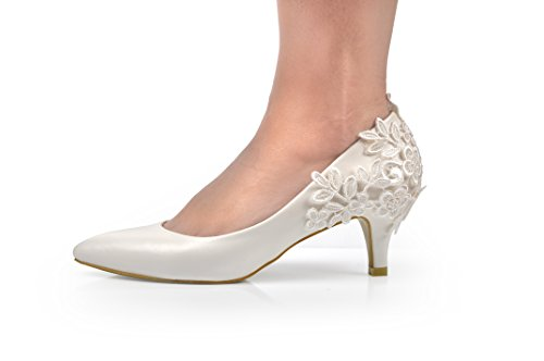 Bridal Shoes in all shapes, sizes and colours. You can shop by heel height, colour and narrow your search to just vintage Bridal shoes too. With such an extensive selection you'll .