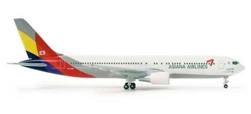 asiana-767-300-1500-he515887