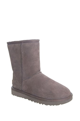 UGG Australia Women's Classic Short ll Boot, Chocolate, 8 (Chocolate Brown Uggs compare prices)