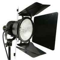V1000 Bravo Video Light With Barn Doors With Halogen Lamp For Approximately 100-Hours Of Use.