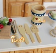 5 Piece Dollhouse Kitchen Wood Utensil Set