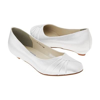 Model and style Flat Wedding Shoes