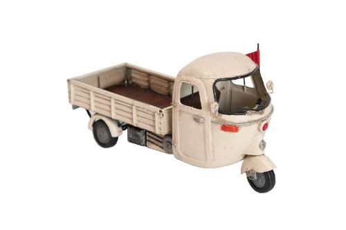 Model Vehicle TUCTUC