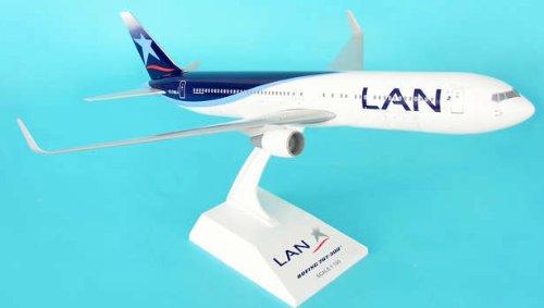 1: 150 スカイマークス LAN Chile ボーイング 767-300 with Landing Gear (並行輸入)