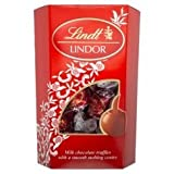 Lindt Lindor Milk Chocolate Truffles With a Smooth Melting Centre 200g