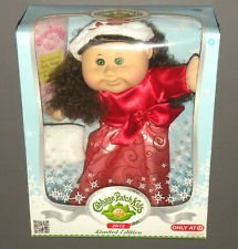 cabbage-patch-kids-2012-limited-edition-holiday-doll-brunette-by-cabbage-patch-kids