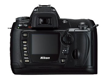 Nikon D70S Digital SLR Camera includes AF-S DX Zoom-Nikkon 18-70mm Lens  [6MP, 3x Optical Zoom]