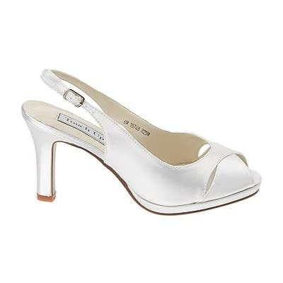 Simple design for wedding shoes.