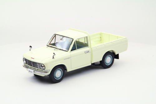 EBBRO 1/43 DATSUN 1300 Truck 1966 IVOR...