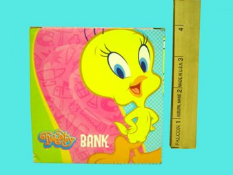 looney-tunes-hanging-yellow-sock-coin-bank