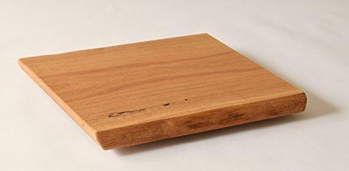 Massives-Schneidebrett-Kseplatte-Holzteller-EICHE-natrlich-gelt-mit-Waldkante-30-x-25-cm