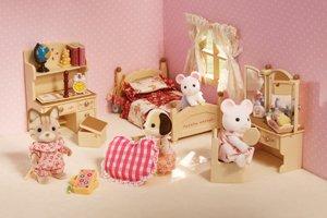 Sister's Bedroom Set