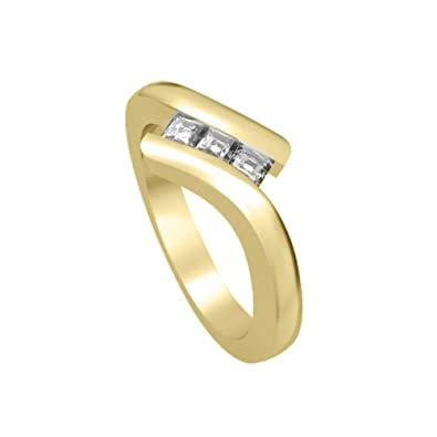 0.30ct F/VS1 Diamond Trilogy Promise Ring for Women with Princess Cut diamonds in 18ct Yellow Gold