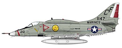 HOBBY MASTER 1/72 A-4E スカイホーク VMA-211 チュライ基地 1968