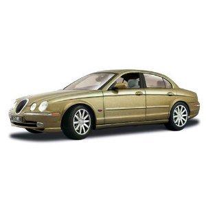 1999 Jaguar S Type Gold 1:18 Diecast Model Car by Maisto (1 18 Jaguar S Type compare prices)