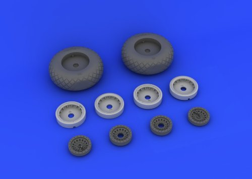 EDU632017 1:32 Eduard Brassin B-17 B-17G Flying Fortress Wheels Set (for the HK Models kit)