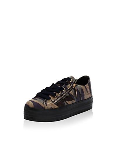 xemia Sneaker