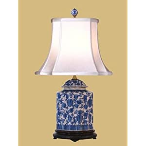 East Enterprises Blue & White Porcelain Jar Oriental Table Lamp With Blue Finish