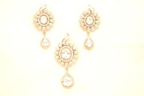 Fashion Balika Fashion Jewelry Gold-Plated Pendant Set For Women White-BFJER139 (Yellow)