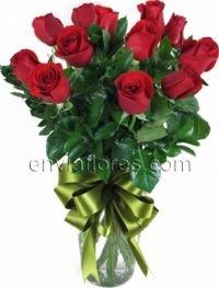 Arreglo De 12 Rosas Rojas En Jarrón De Cristal
