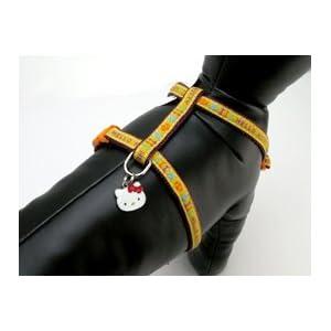 参考画像:斜め上からの装着状態 ペット(犬)用ハーネス:ハローキティ チロリアンハーネス M ベージュ