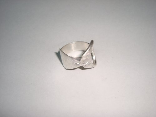 Emery Lid Ring from HOMME Collection by Mauricio Serrano