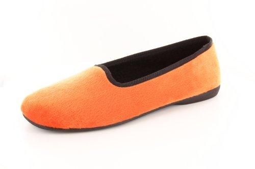 Andres Machado - Ballerinas aus orangenem Velours.