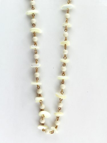 Mother of Pearl Necklace With Gold-Colored Chain