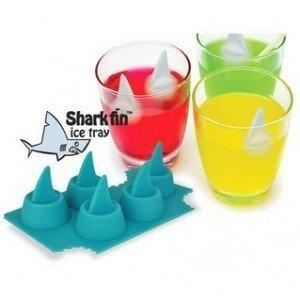ジョーズ! サメ型アイストレー アイスボックス ブルー