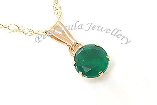 pendentif-rond-en-or-9-carats-vert-agate-et-chaine