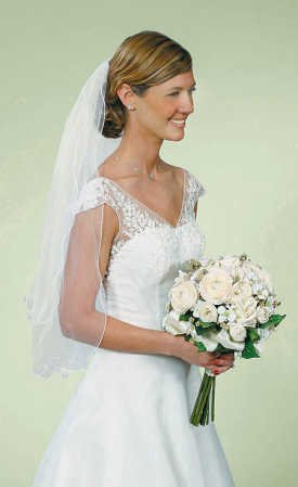 Darice VL3041 Double Layer Curly Edge Wedding Veil with Comb, 40 by 30-Inch, White