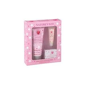 Heathcote & Ivory Nature's Way Geranium & Chamomile Essentials Set