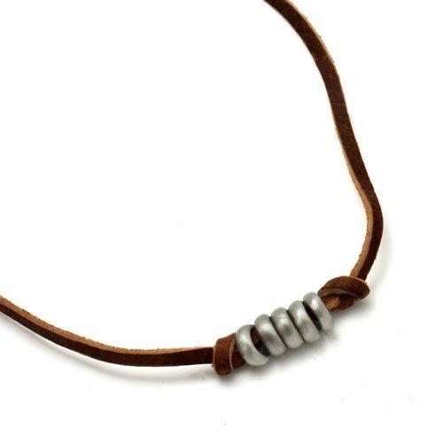 niki-oranger-thale-surferkette-leder-metall-unisex-halskette