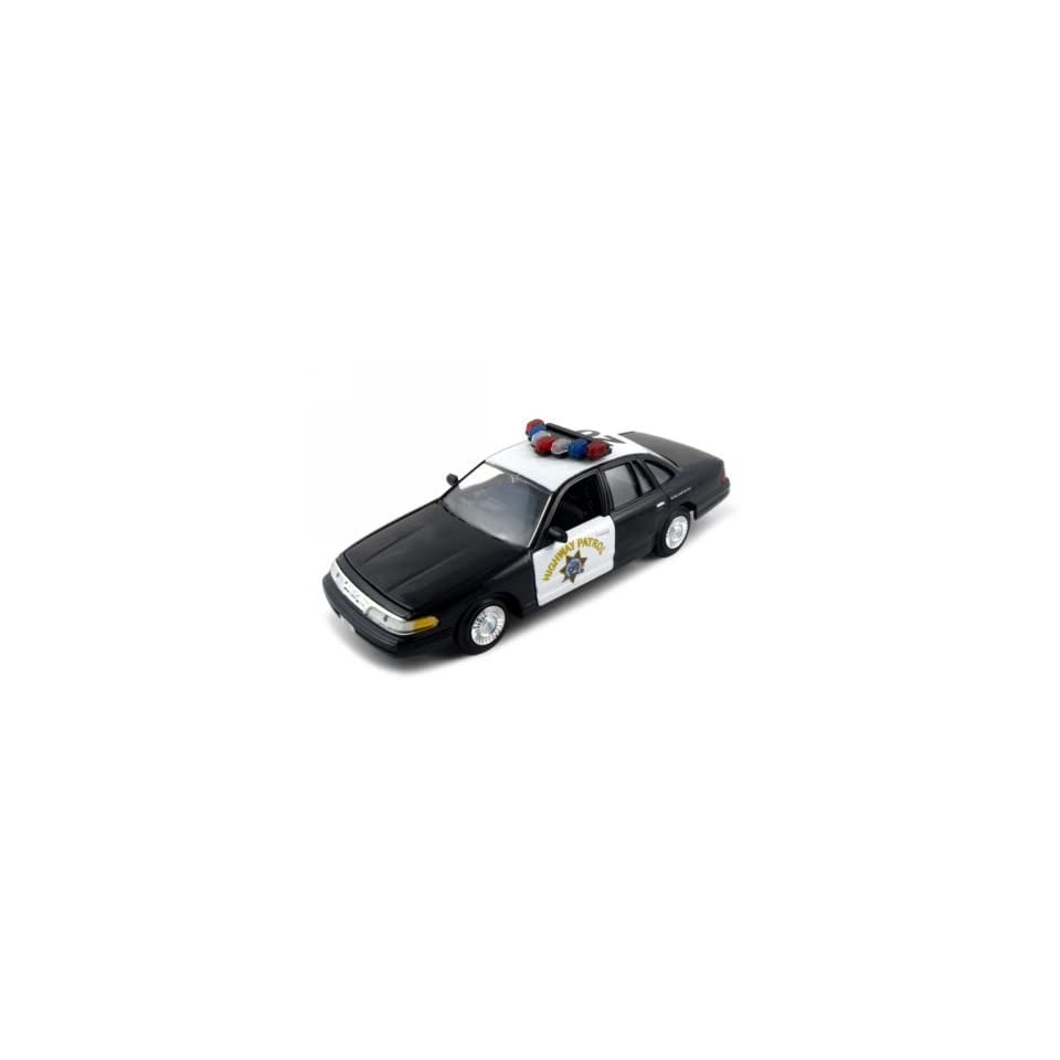 CHP Ford Crown Victoria 124 Diecast Model Car Blk/Wht
