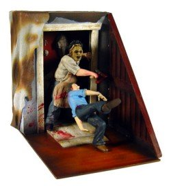 Cinema Of Fear: Screen Grabs Series 1 > Texas Chainsaw Massacre Action Figure Diorama